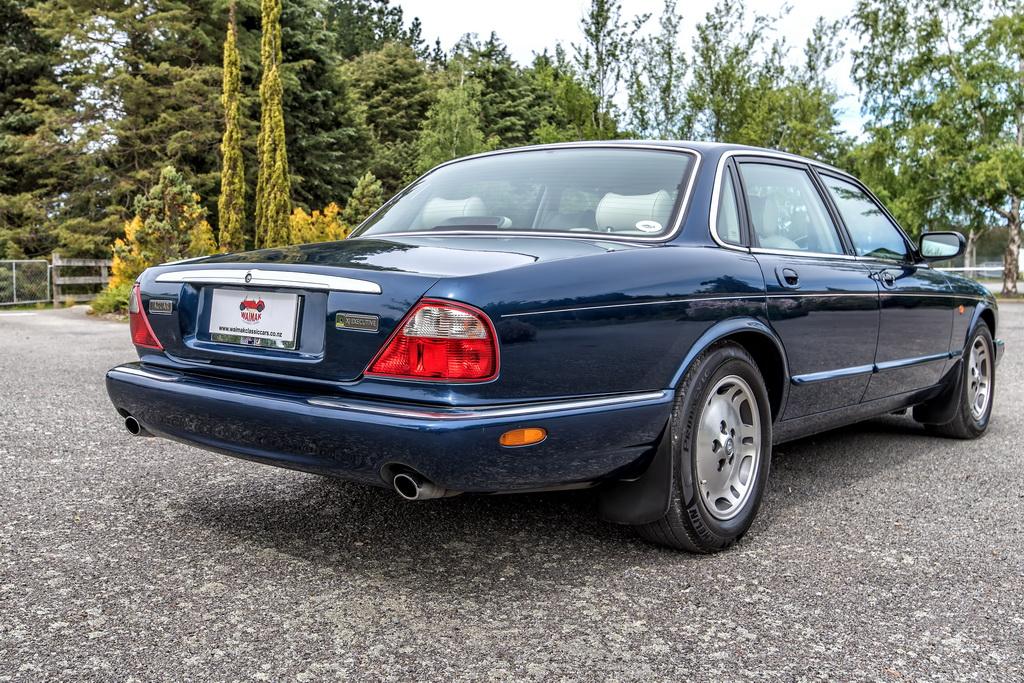 1998 Jaguar XJ8 Executive (X308) | Waimak Classic Cars ...